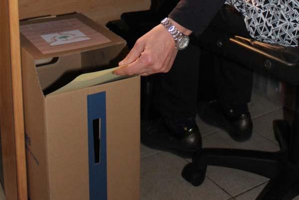 Boite de collecte de papiers de bureau