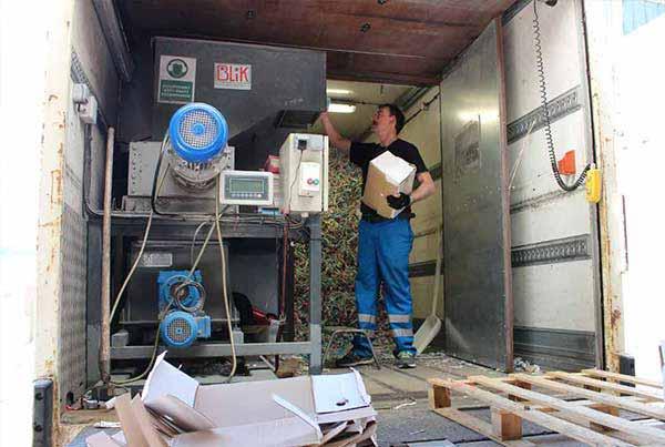 Les documents sont broyés directement dans notre camion broyeur